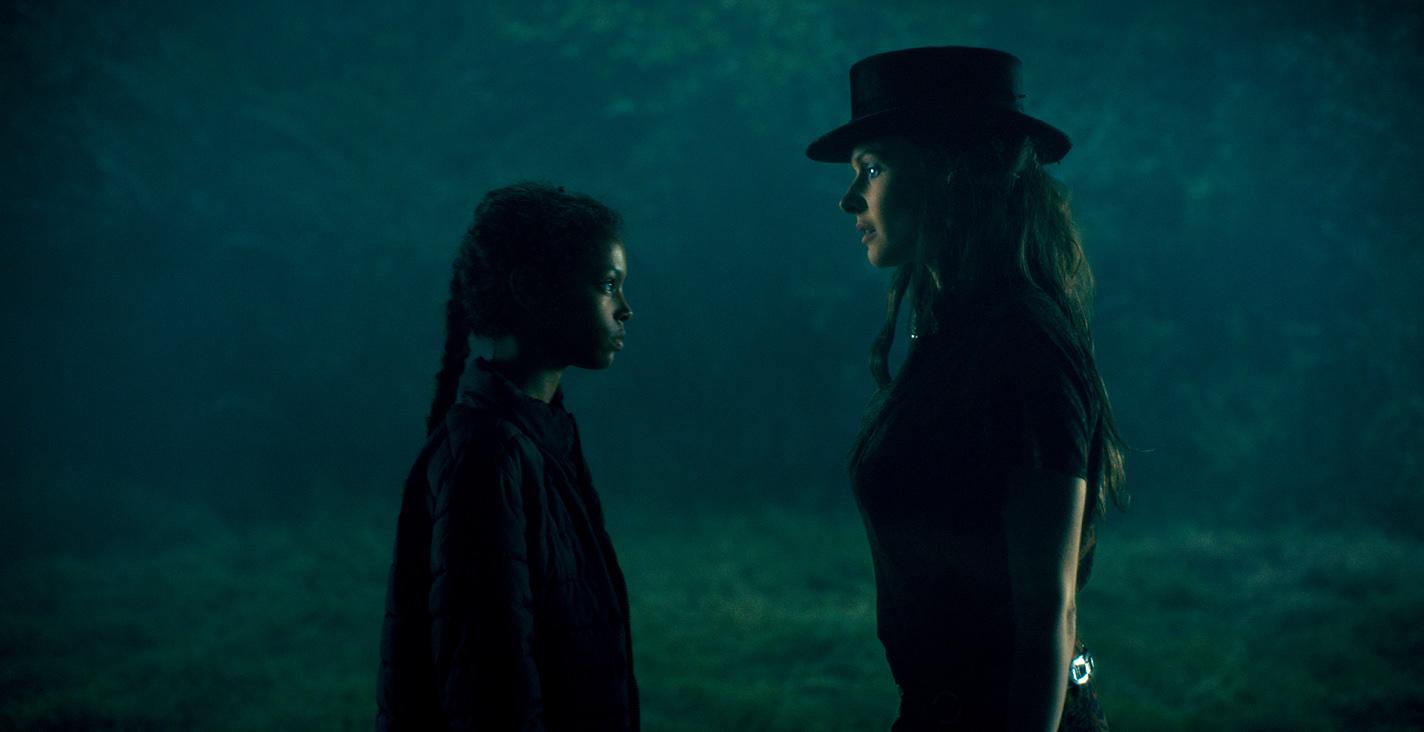 《安眠醫生》試片好評不斷 最具魅力反派「高帽蘿絲」VS. 千中選一「閃靈少女」太精采