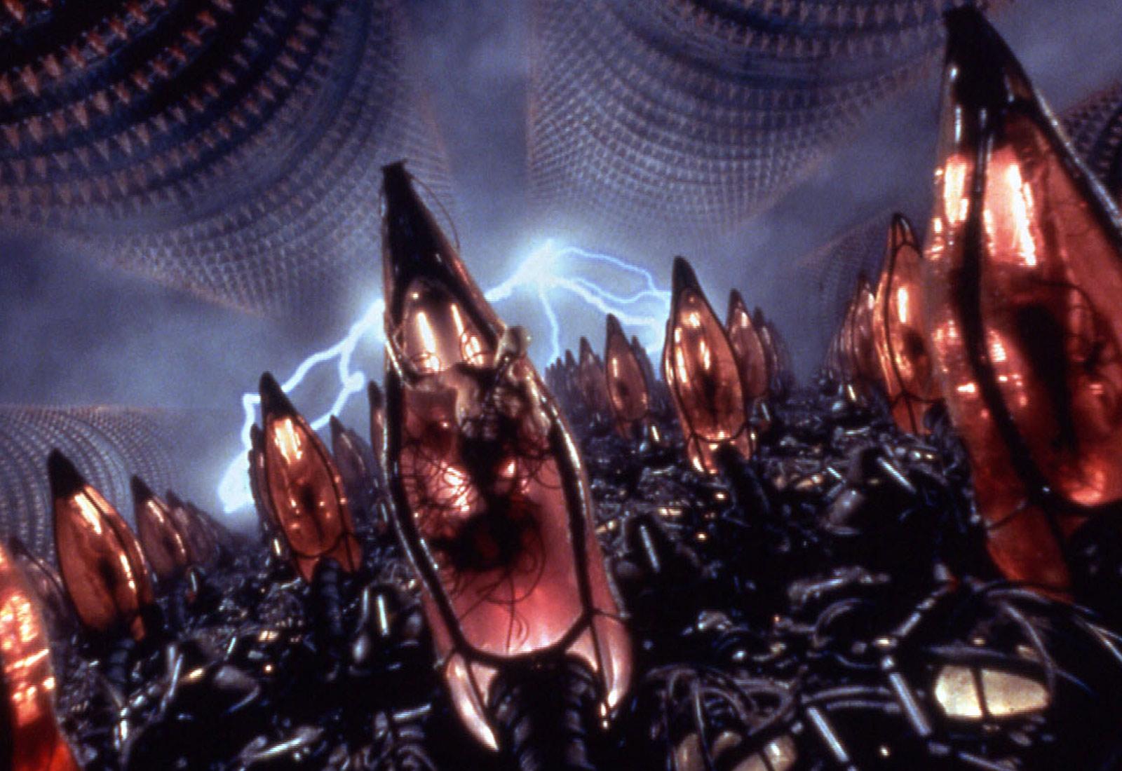【有雷】《駭客任務》二十周年經典重製 回顧基奴李維「成為殺神前」的驚人身份