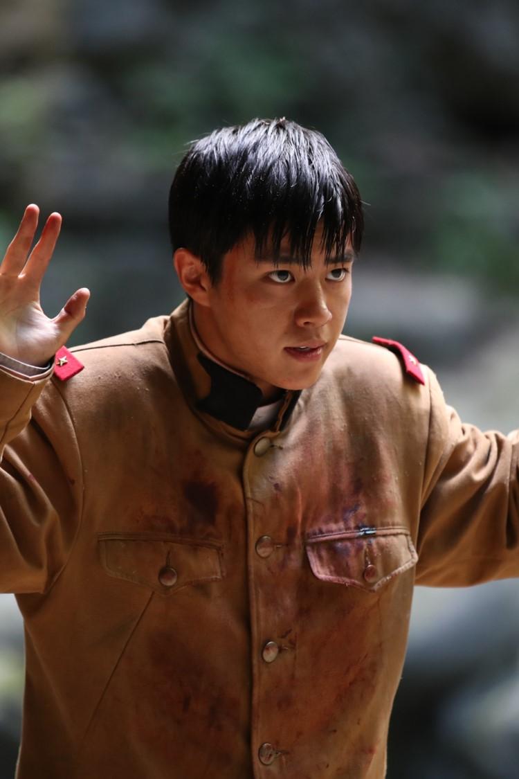 《鳳梧洞戰役》柳俊烈為柳海真研究大叔笑話 醍醐虎汰朗、北村一輝被批「賣國賊」仍毅然出演
