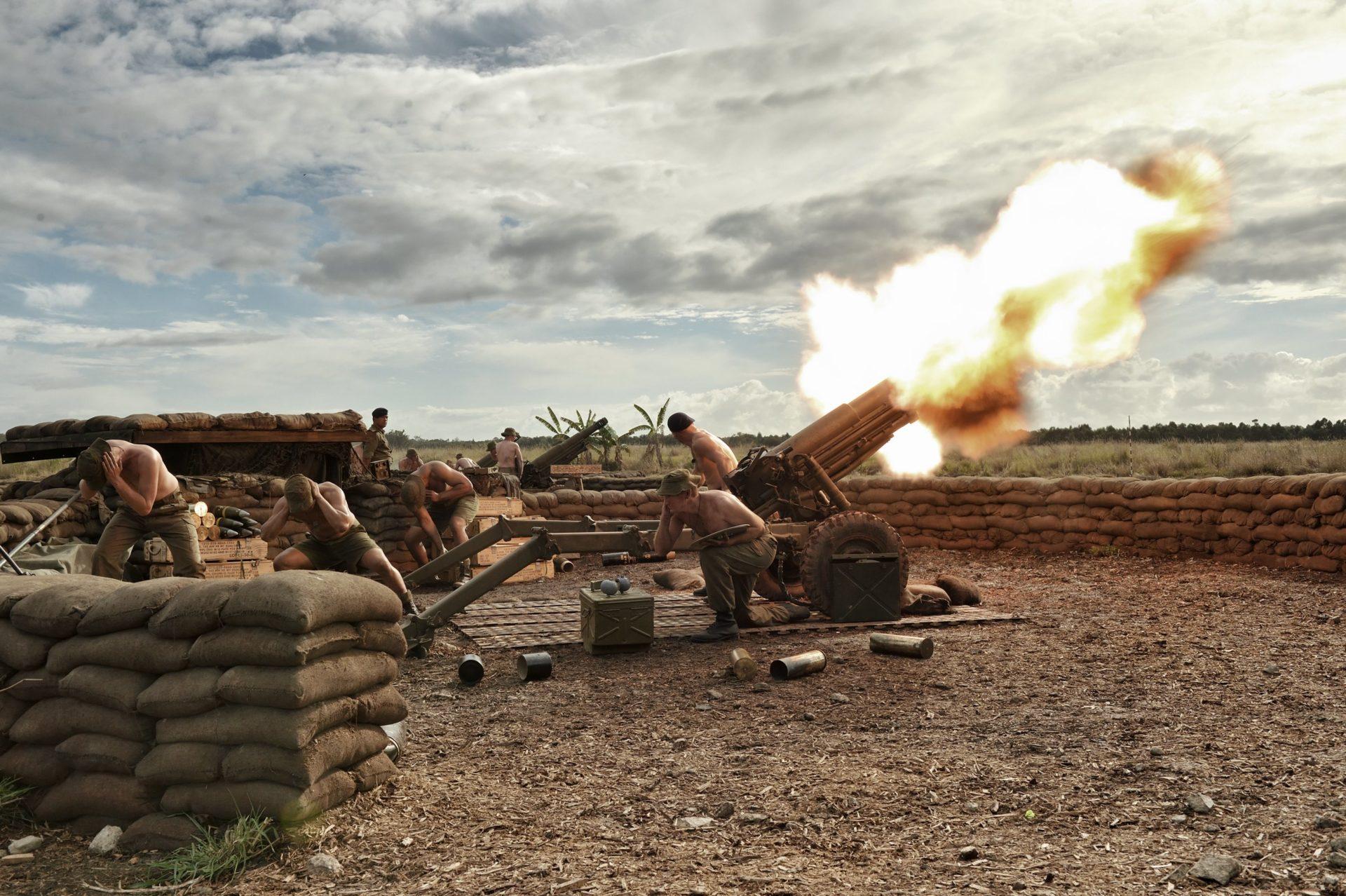 《108悍將》「猛男 VS. 型男」比拼特訓花樣   半世紀前直昇機、裝甲車上陣重現壯烈之戰
