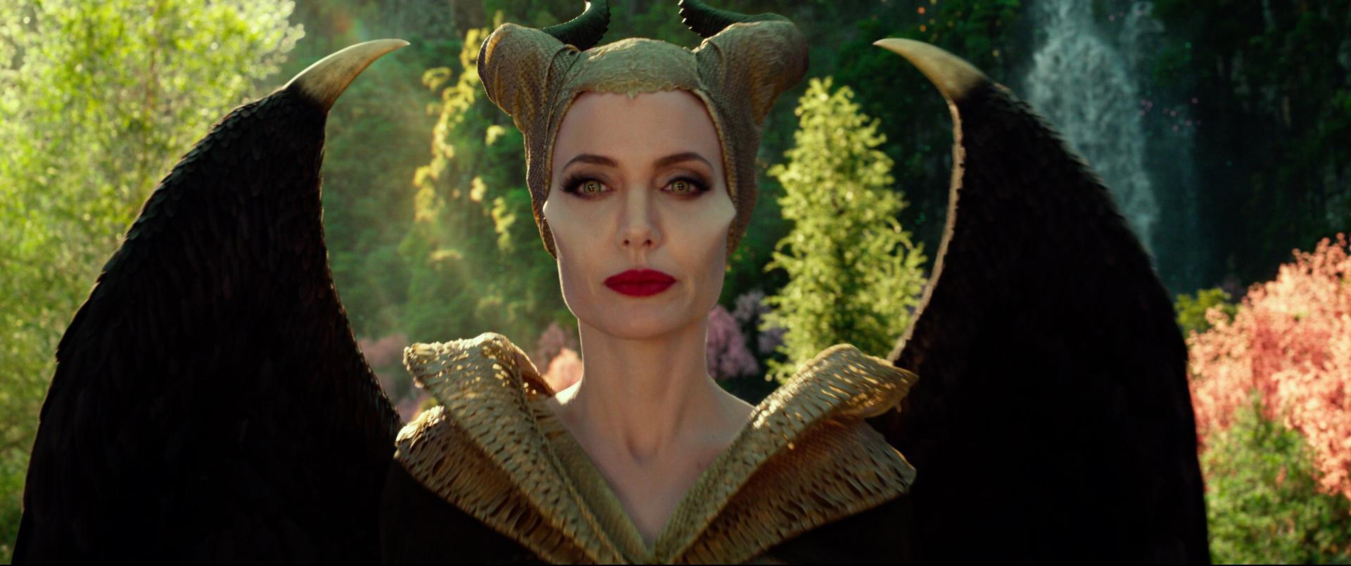 《黑魔女2》美台票房雙冠 劇組動員44位專業化妝師打造造型