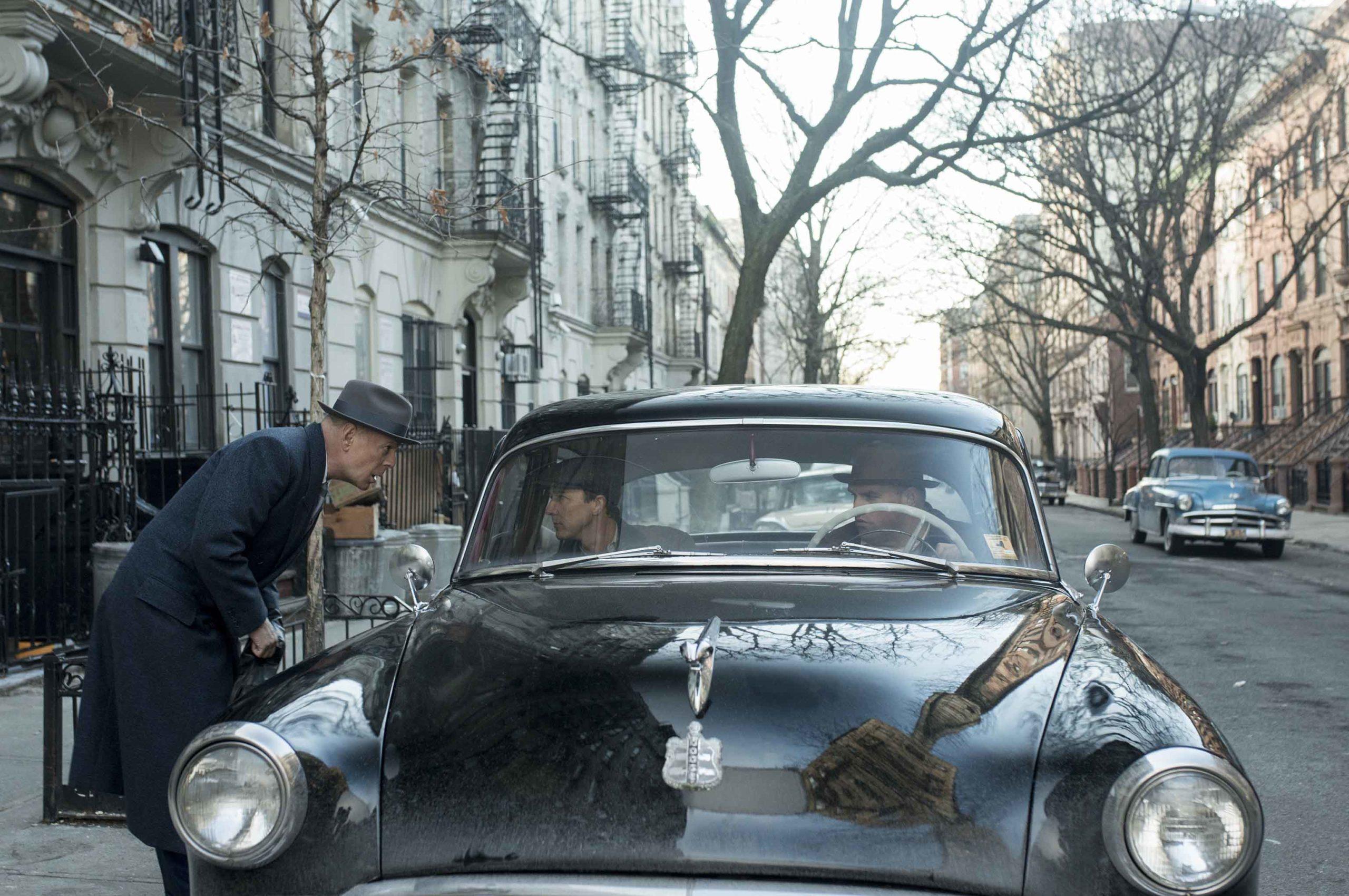 《布魯克林孤兒》艾德華諾頓20年磨一劍 細膩化身妥瑞症偵探為好友冒死辦案