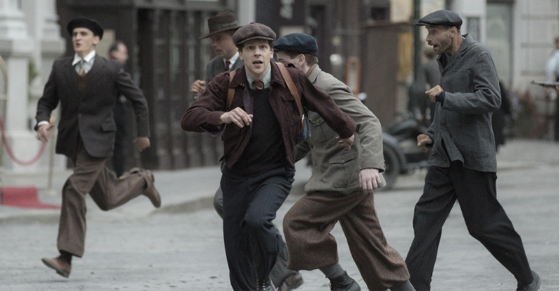 《無聲救援》傑西艾森柏格由黑洗白 攜手哈利波特女星拯救猶太裔孤兒
