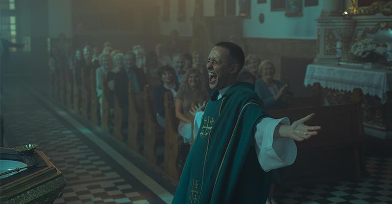 《另類神父》辯證善良與罪惡 「波蘭奧斯卡」勇奪11項獎成最大贏家