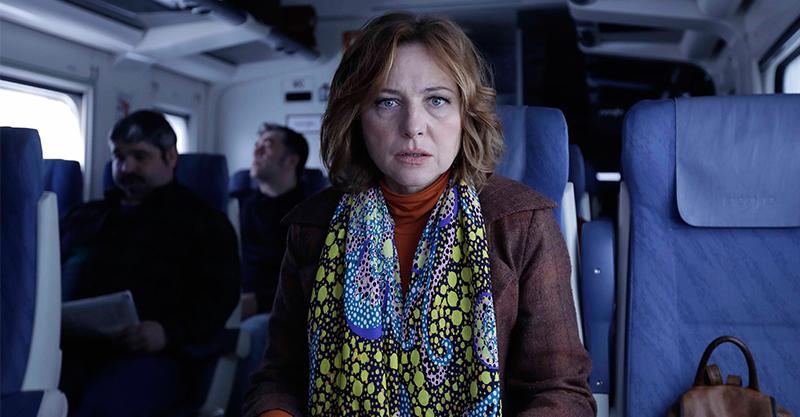 《搭火車旅行好吃驚》幹練女編輯在家竟被老公當狗養 挑戰尺度獲國際影展肯定