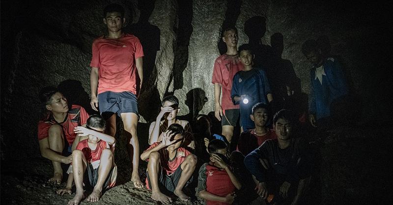 《奇蹟救援》「泰國少年足球隊被困事件」搜救行動躍上大銀幕 真實英雄客串演出!