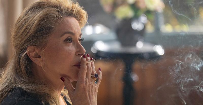 《真實》凱薩琳丹妮芙直言寧當糟糕母親也不當「爛演員」 雙影后大談性生活是枝裕和直呼有趣