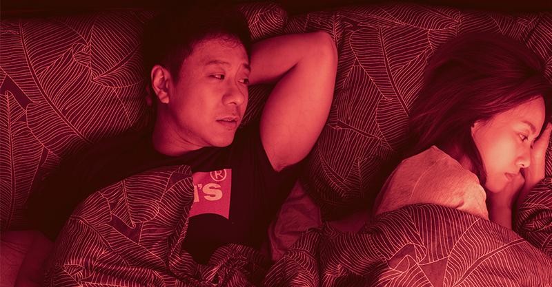 《金都》朱栢康完美詮釋控制狂媽寶 偕鄧麗欣「蓋棉被純聊天」喊甜蜜