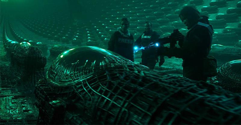 《黑暗戰域》再現華麗「電馭叛客」風格 裝甲車出動輾爆類活屍大軍導演直呼超過癮!