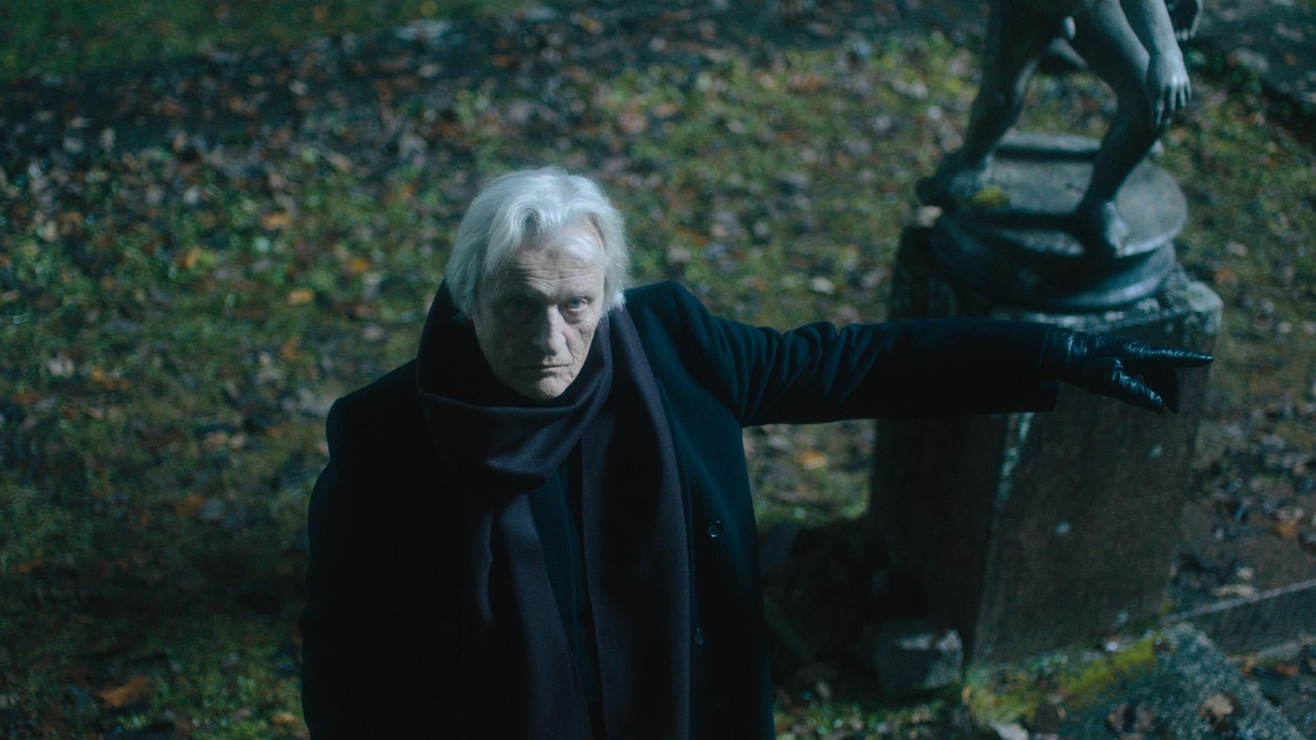 《咒冥曲》17世紀歐洲邪教傳說搬上大銀幕 魯格豪爾自焚殉道「以音樂召喚邪靈」