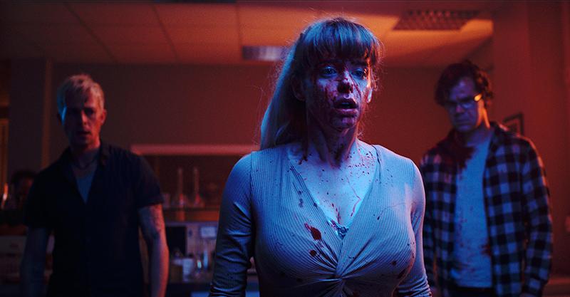 《屍人診所》給愛美世代的「警世預言」 歐洲母女整形不成反被感染成畸形怪