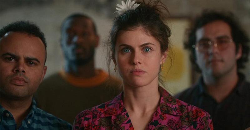 《我的A級秘密》「乳搖女神」大談A級秘密 姬米可葛倫換下囚服「前衛穿著」超吸睛