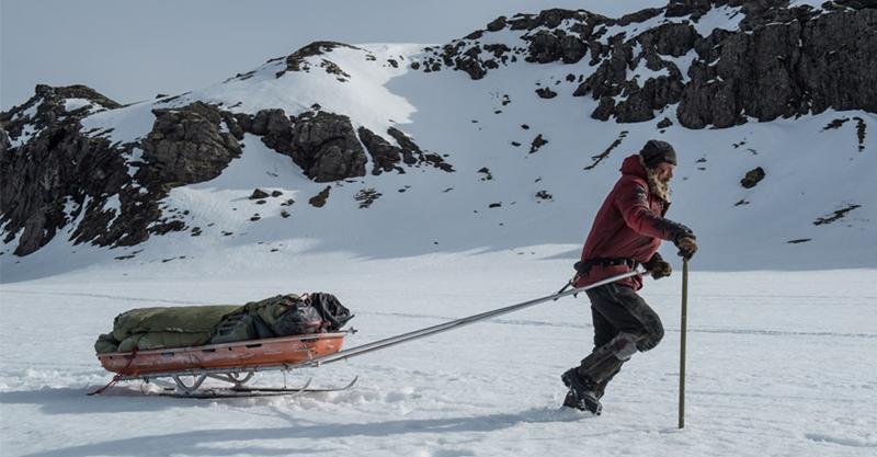 《極線生機》「雙面人魔」影帝麥斯米克森零下30度極地求生 影評讚近年最驚心動魄的求生電影
