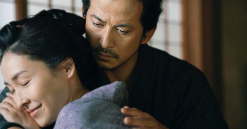 《椿花散落》岡田准一偕西島秀俊揮劍熱演 高齡導演拍重頭戲拍到昏倒嚇壞演員