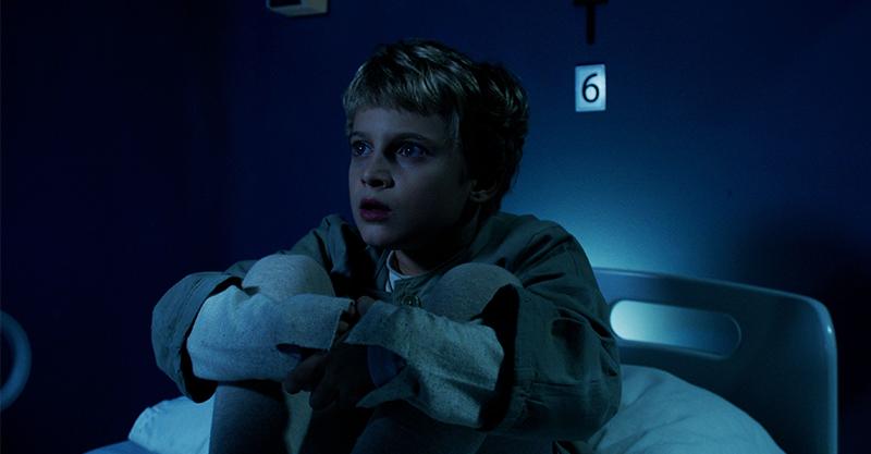 《6號鬼病床》6歲男童怨念成駭人惡夢 「20支針頭插滿身」嚇壞女星