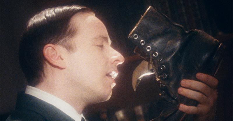 《㊣麥肯齊金總理秘史♂》導演片中大玩男女性別翻轉 腦洞大開情節讓觀眾瞠目結舌