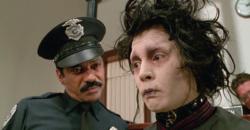 奇幻鬼才大導提姆波頓兒時慘遭罷凌 打造的《剪刀手愛德華》憂鬱愛德華正是自己