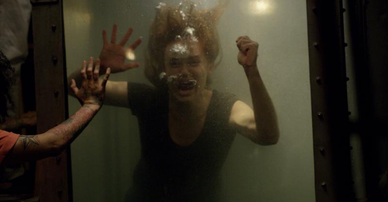 《密弒直播》「鐵針棺材」穿爆眼!變態人體電流急急棒  超殺死法網讚:「奪魂鋸2.0」
