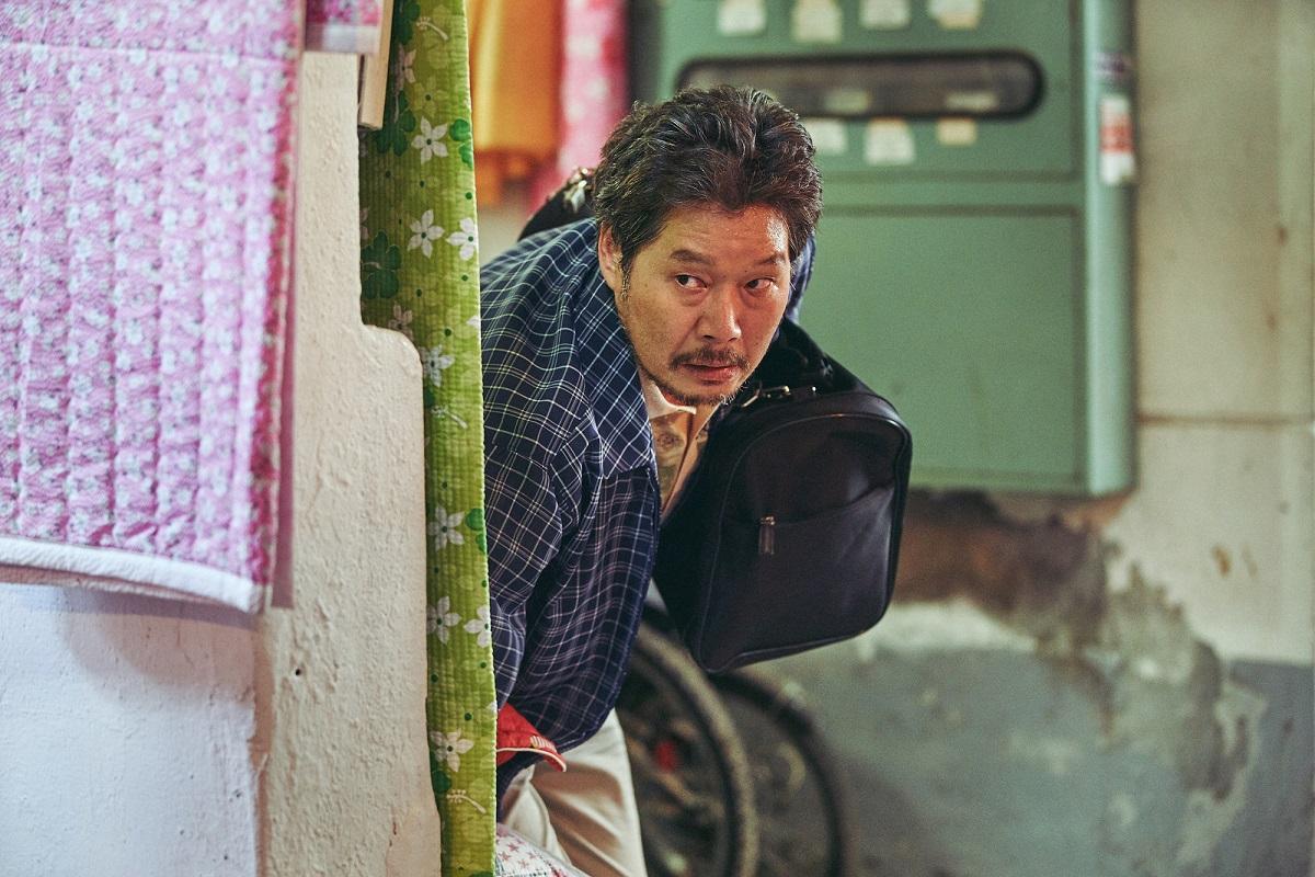劉亞仁《收屍人》勇奪韓國票房冠軍!觀眾強推「今年最衝擊之作」
