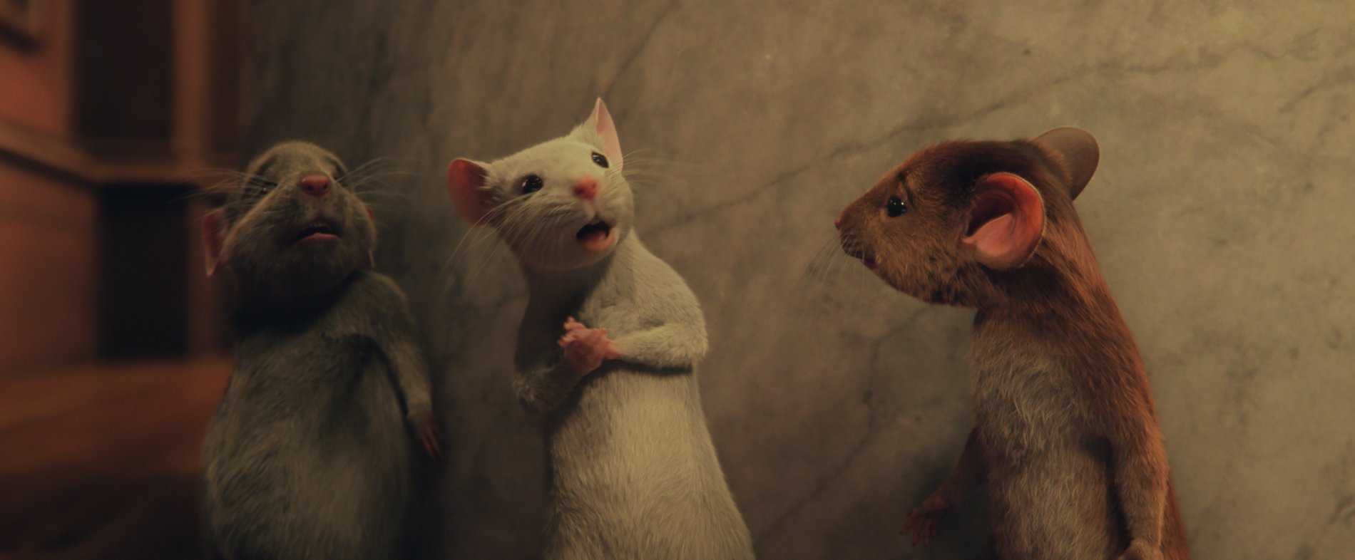 《女巫們》安海瑟葳邪惡耍壞  巧克力下藥把小孩變老鼠
