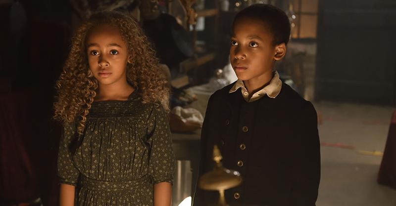 好萊塢翻玩童話題材夯《愛麗絲與夢幻島》親情打動安潔莉娜裘莉:孩子們是完美團隊