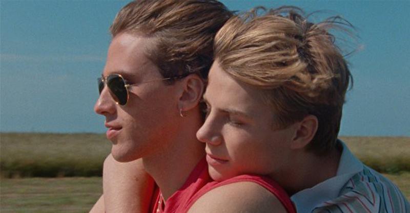 無雷/(2020 金馬影展搶先看)《85年的夏天》--- 愛在青春懵懂時…
