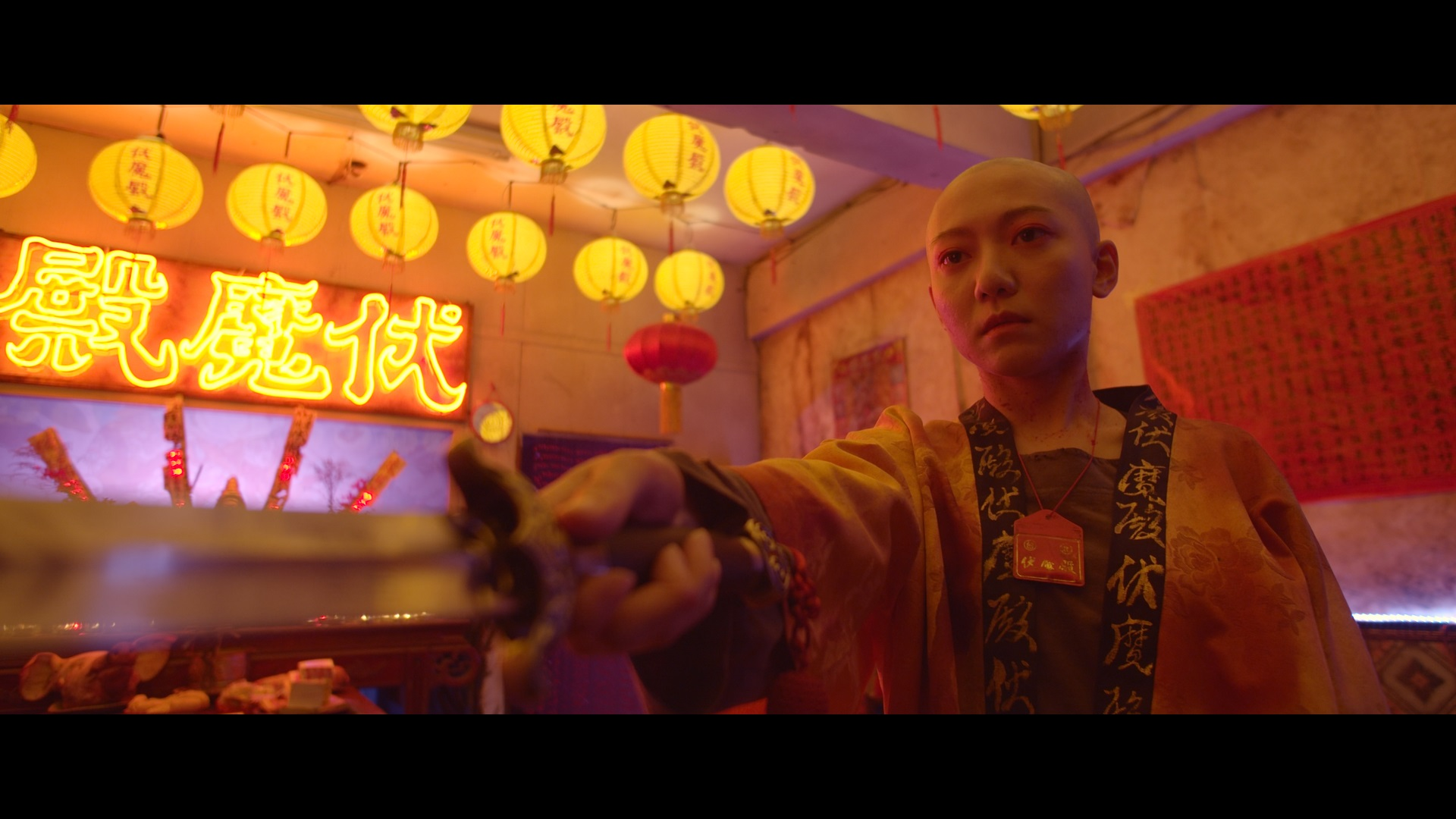 國片《伏魔殿》宗教色彩隱喻台灣法官與罪犯 與夥伴共創恐怖血砲噴射器