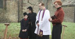 《不可能的任務》大反派化身英版「華倫夫婦」 駭人凶宅《波麗萊多里鬼屋》連神父都被邪靈附身