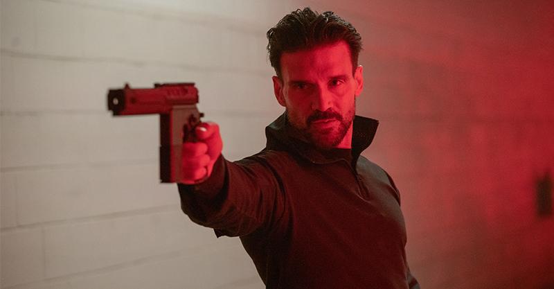 《終極異噬界》法蘭克葛里洛「殺很大」 擺脫輪迴宇宙改殺活屍