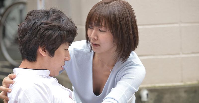 《偶像情人夢》女星階戶瑠李生前主演浪漫劇作 自然流露性感知性美