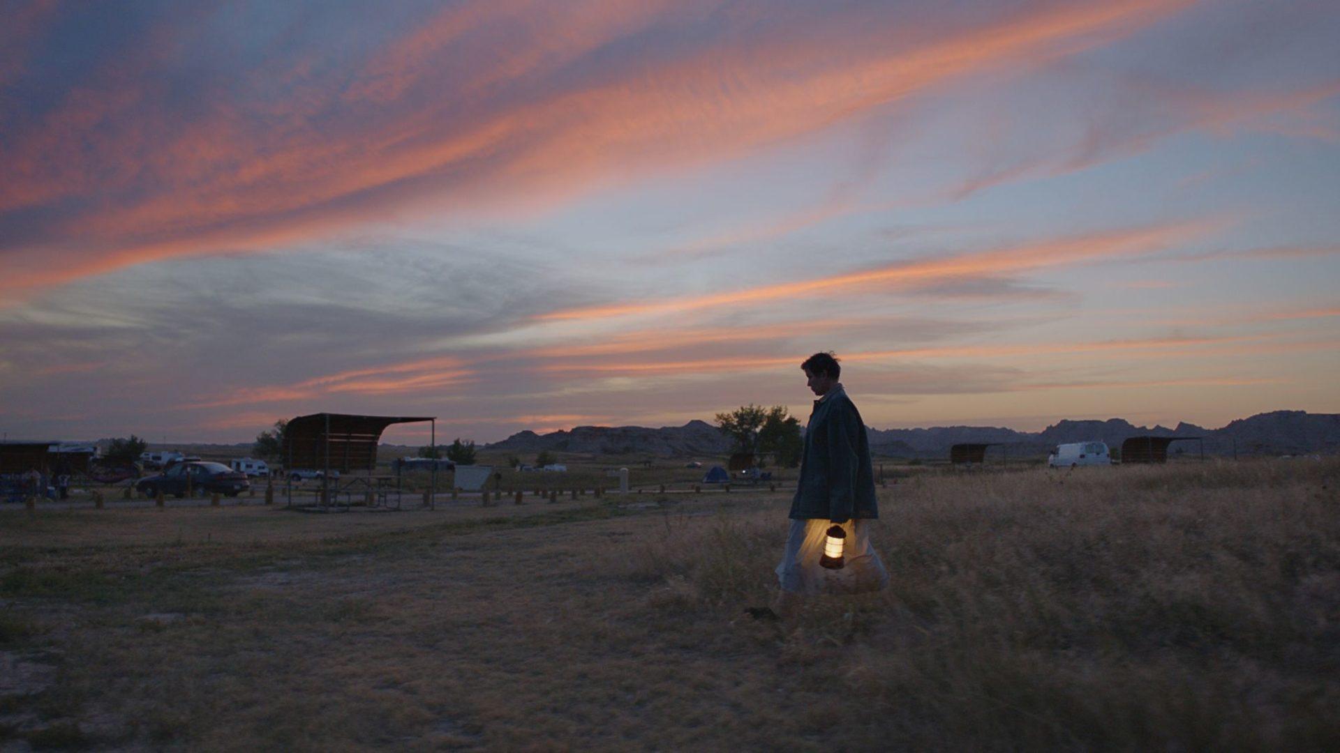 無雷/ 《游牧人生》(Nomadland):我們從不說再見,我們只說「路上見」。